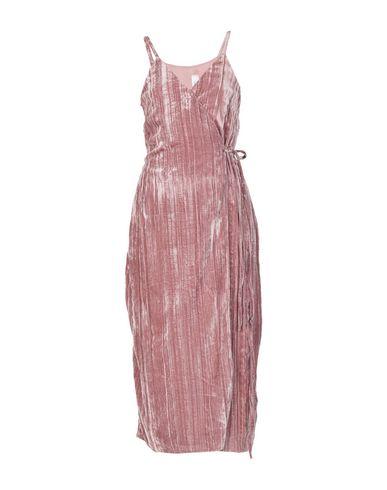 Souvenir | Пастельно-розовый Женское платье длиной 3/4 SOUVENIR бархат | Clouty