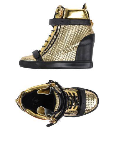 Giuseppe Zanotti | Золотистый Женские золотистые высокие кеды и кроссовки GIUSEPPE ZANOTTI аппликации из металла | Clouty