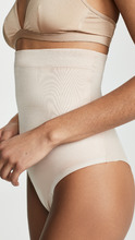 Фото SPANX Suit Your Fancy High Waisted Thong