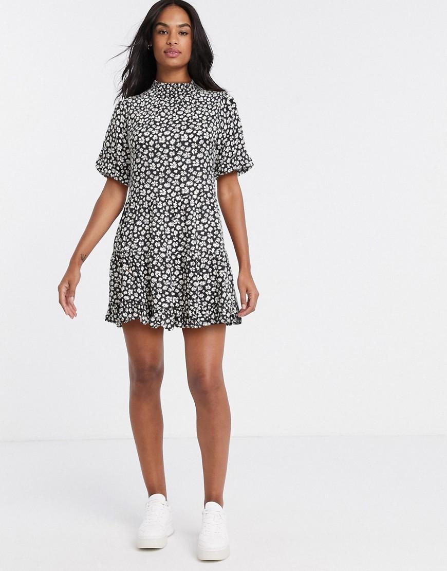 Miss Selfridge | Чайное платье мини с цветочным принтом Miss Selfridge-Чepный | Clouty