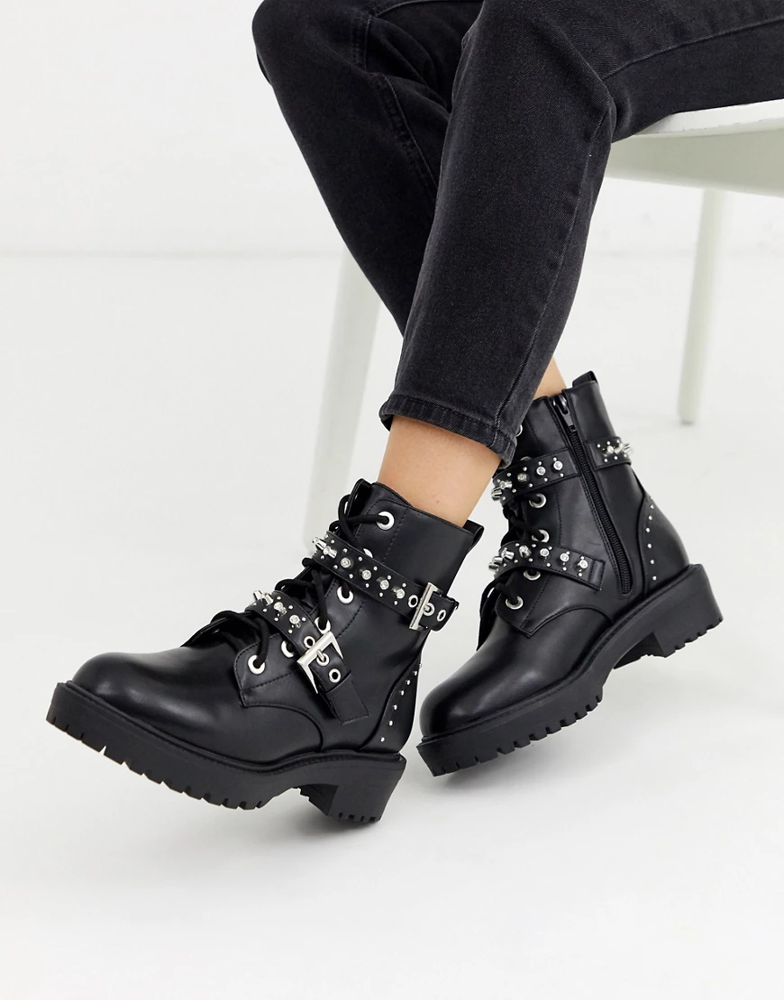 New Look | Черные байкерские ботинки на толстой подошве с заклепками New Lоок-Черный | Clouty