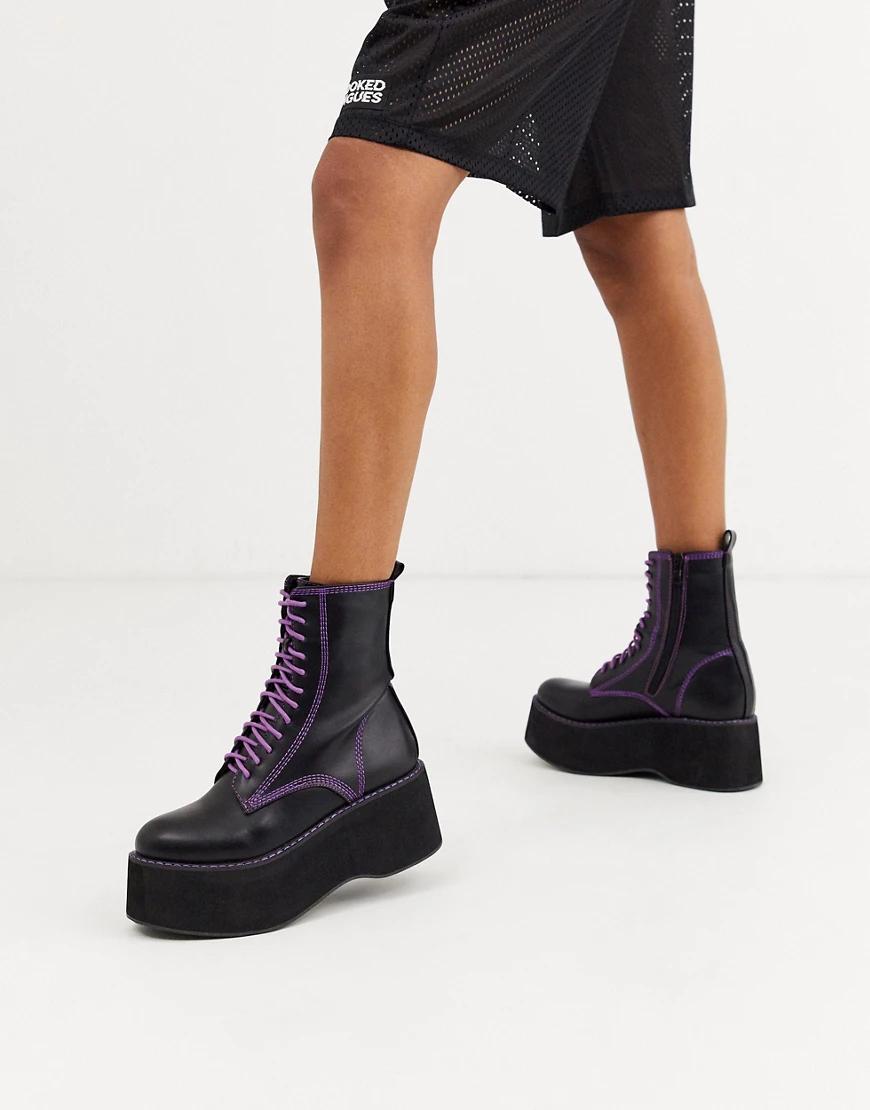 Koi Footwear | Черные ботинки из искусственной кожи на платформе с фиолетовыми швами и шнуровкой Koi Footwear-Чepный | Clouty