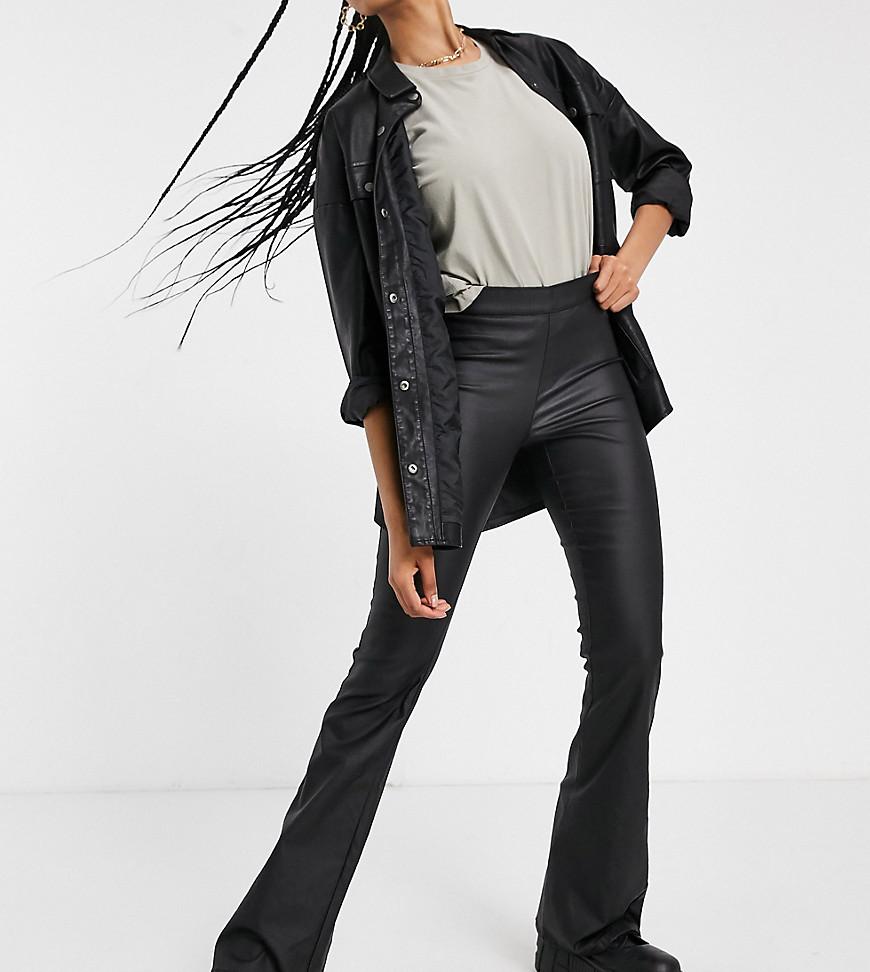 Noisy May   Черные расклешенные брюки с покрытием Noisy May Таll-Черный   Clouty
