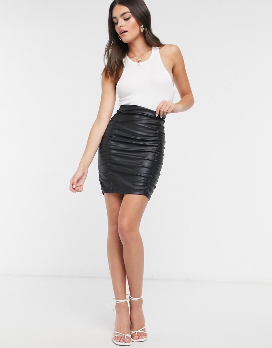 ASOS DESIGN   Черная мини-юбка из искусственной кожи со сборкамиASOS DESIGN-Черный цвет   Clouty