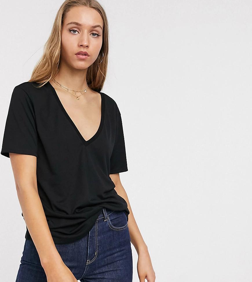 ASOS DESIGN | Черная свободная футболка с V-образным вырезом ASOS DESIGN Таll-Черный | Clouty