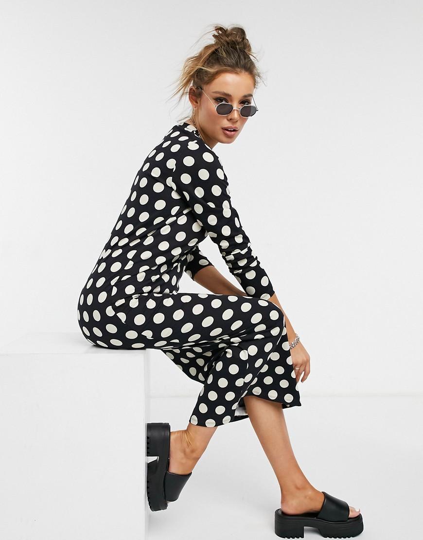 ASOS DESIGN | Черное платье-футболка в белый горошек с длинными рукавами ASOS DESIGN-Черный цвет | Clouty