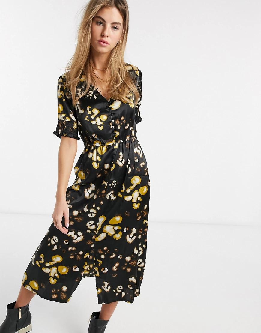 Influence | Атласное платье миди на пуговицах с присборенными рукавами и леопардовым принтом Influence-Myльтu | Clouty