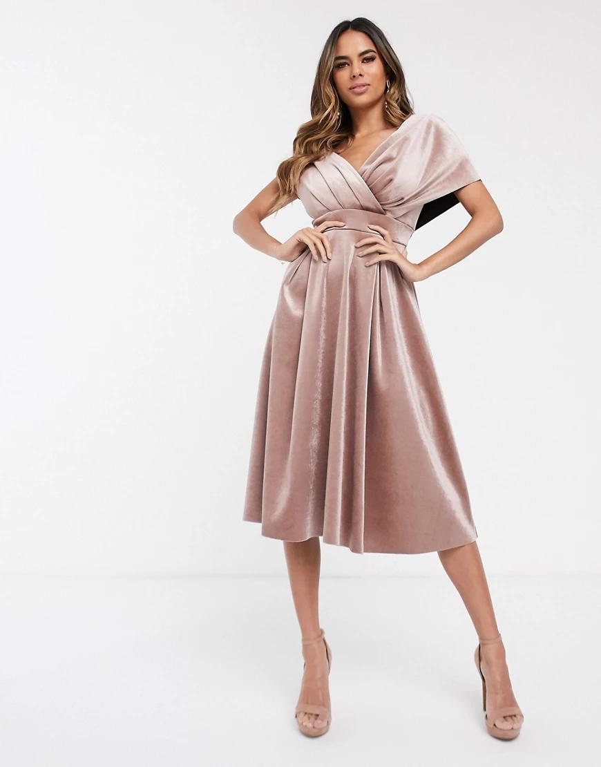 ASOS DESIGN | Бархатное платье для выпускного со спущенными плечами и поясом ASOS DESIGN-Neutral | Clouty