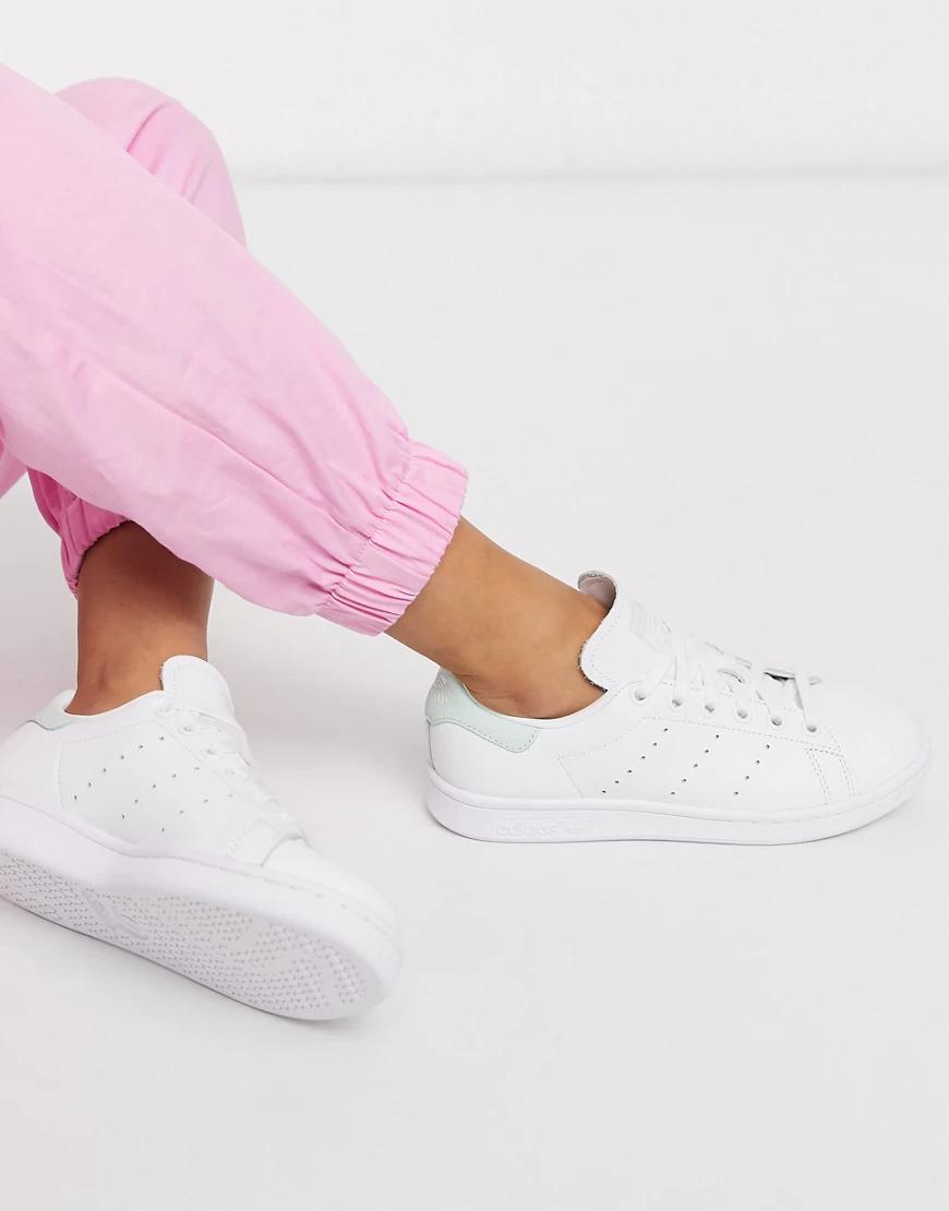 adidas Originals   Белые кроссовки со светло-бирюзовыми вставками adidas Originals Stan Smith-Белый   Clouty
