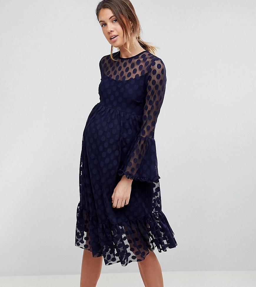 Queen Bee   Короткое приталенное сетчатое платье в горошек Queen Вее-Темно-синий   Clouty