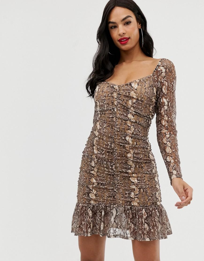 ASOS DESIGN | Кружевное платье мини со змеиным принтом и сборками ASOS DESIGN-Мульти | Clouty
