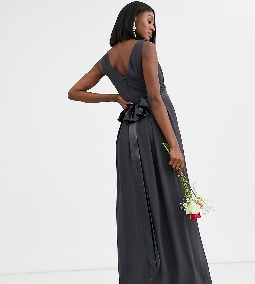 TFNC Maternity | Серое платье макси с атласным бантом на спине TFNC Maternity-Cepый | Clouty