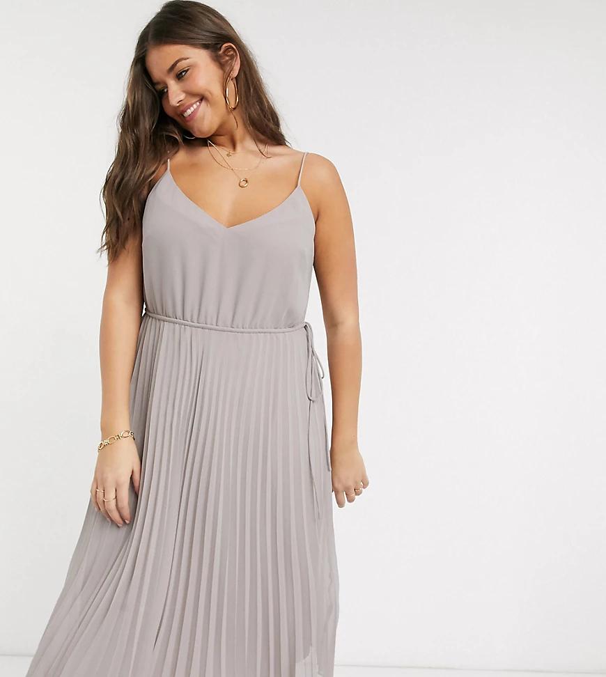 ASOS DESIGN | Серое плиссированное платье миди на бретелях с поясом ASOS DESIGN Curve-Серый | Clouty