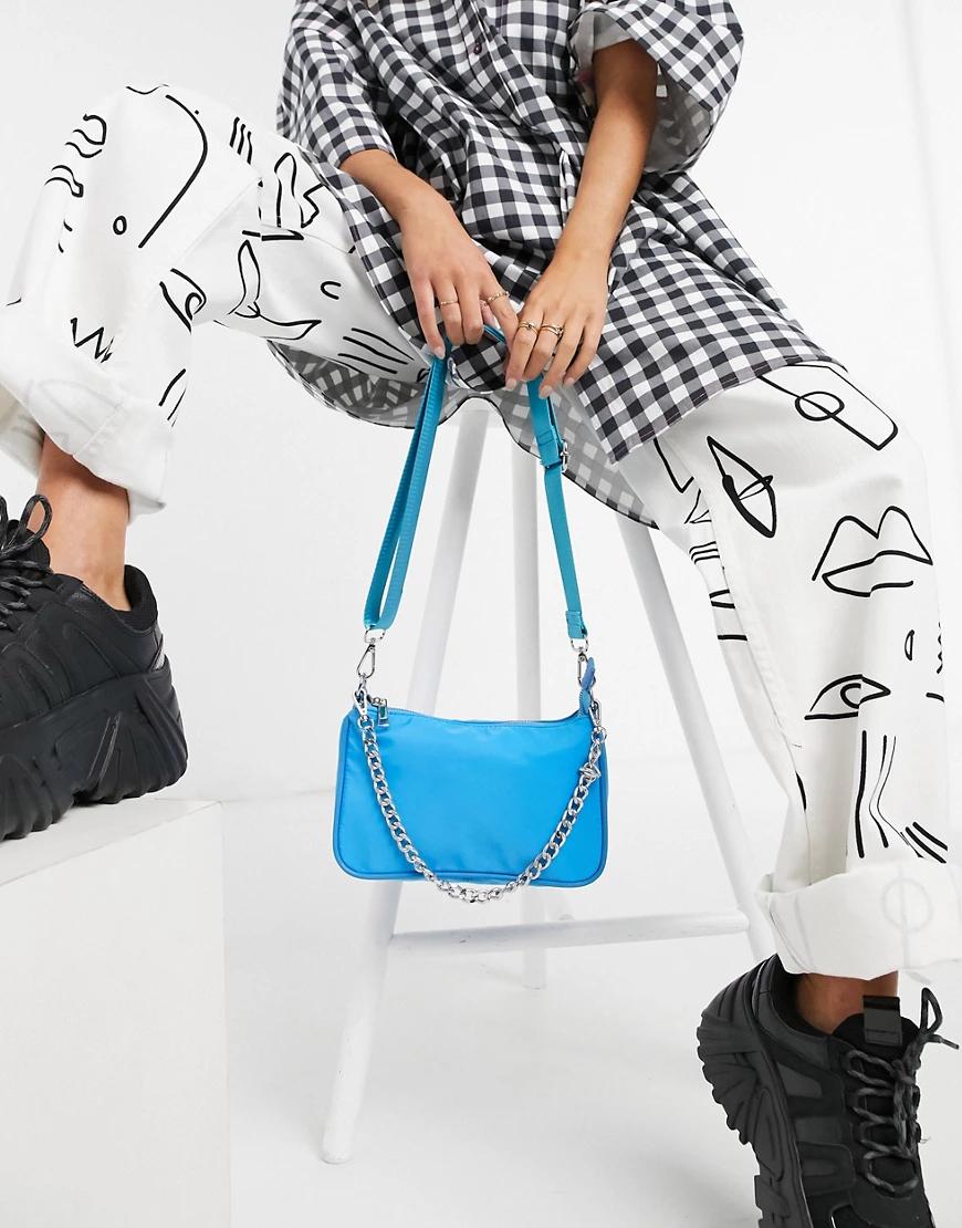ASOS DESIGN | Синяя нейлоновая сумка через плечо с регулируемым ремешком и цепочкой ASOS DESIGN-Cuнuй | Clouty