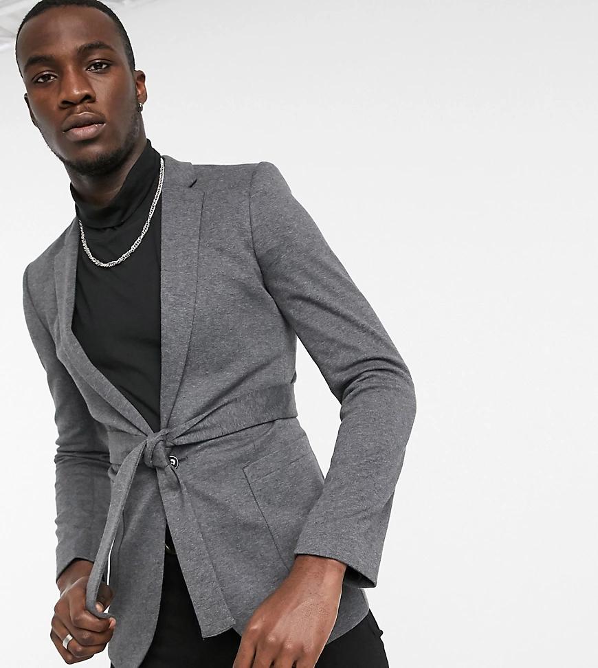 ASOS DESIGN | Супероблегающий трикотажный пиджак с поясом темно-серого цвета ASOS DESIGN Таll-Серый | Clouty