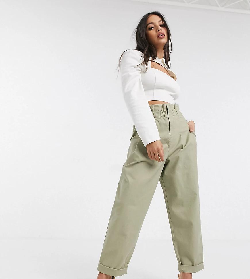 ASOS DESIGN   Светло-бежевые брюки чиносы с присборенной талией ASOS DESIGN Реtitе-Бежевый   Clouty
