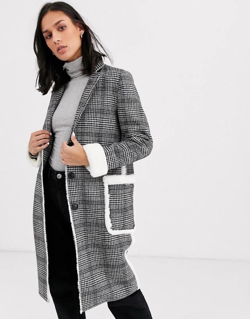 Gianni Feraud | Пальто в клетку из ткани с добавлением шерсти и с отделкой искусственным мехом Gianni Feraud-Cepый | Clouty