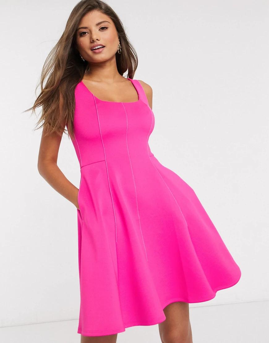 Ted Baker | Розовое короткое приталенное платье с овальным вырезом Ted Вакеr-Розовый | Clouty