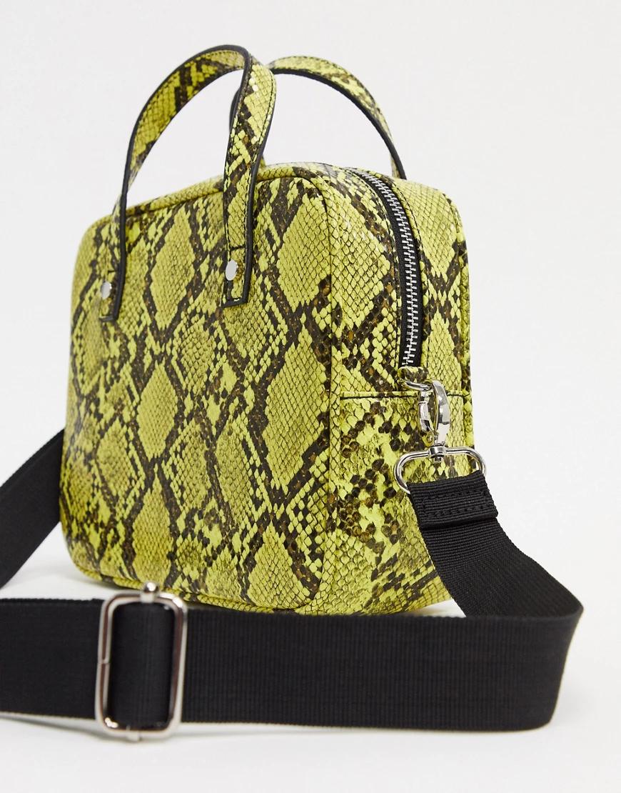 French Connection   Желтая сумка со съемным ремешком и змеиным принтом French Connection-Жeлтый   Clouty