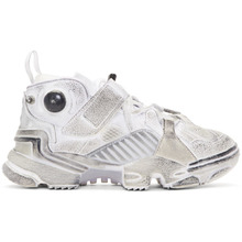 Фото Vetements White Reebok Edition Genetically Modified Pump High-Top Sneakers